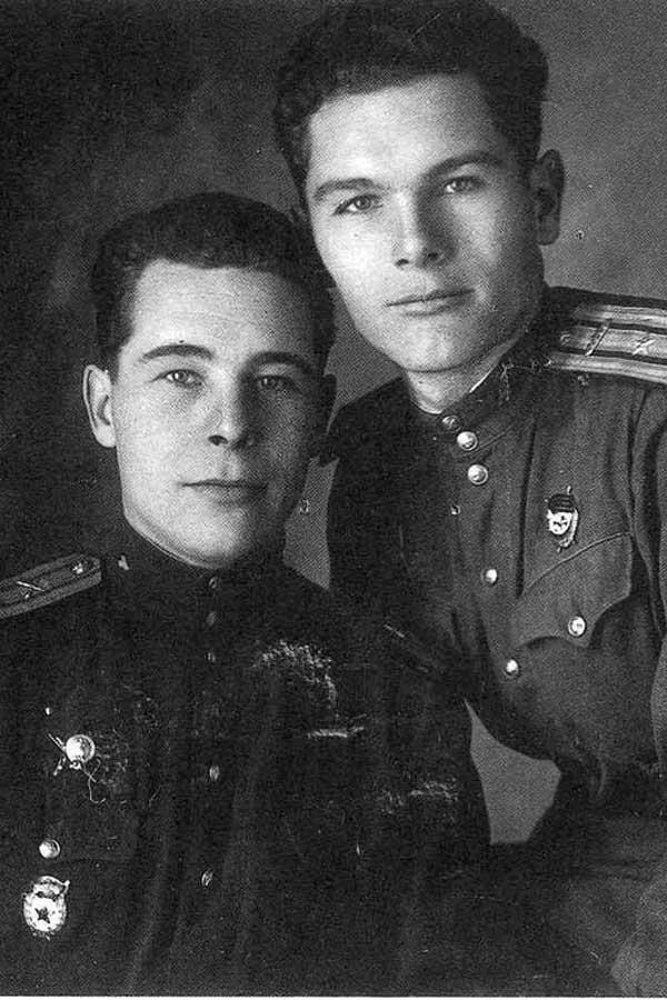 Майор А.И. Грибков с братом