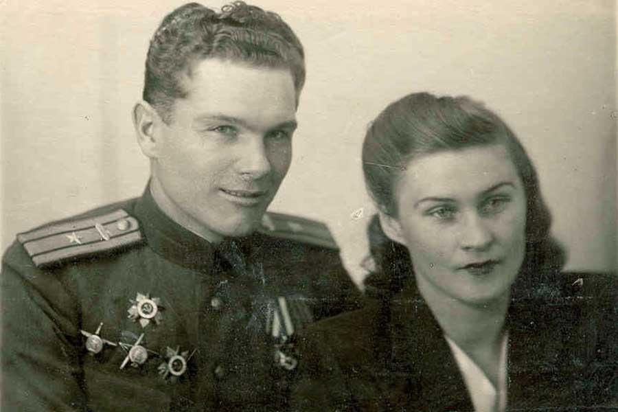 Майор А.И. Грибков с супругой