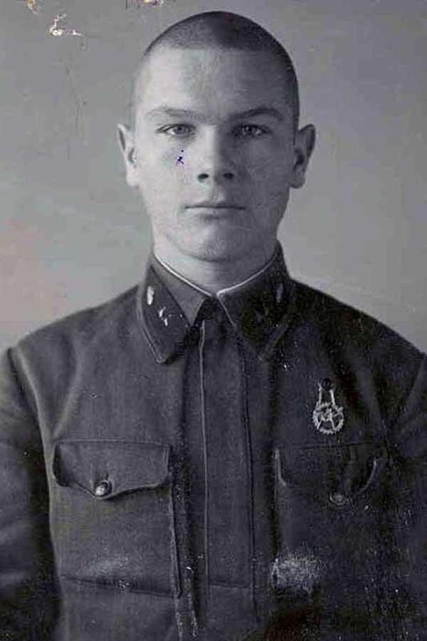 Младший сержант А.И.Грибков