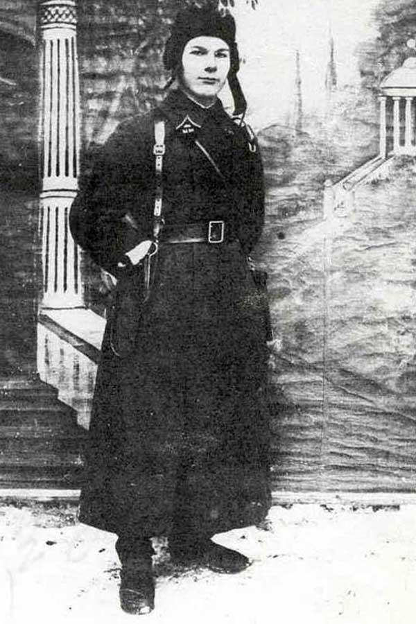 Командир танкового взвода лейтенант А.И. Грибков