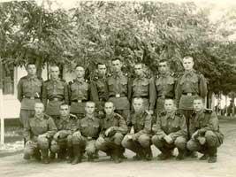 Лобов - 2 ряд, крайний слева