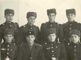 Лейтенант с сержантами